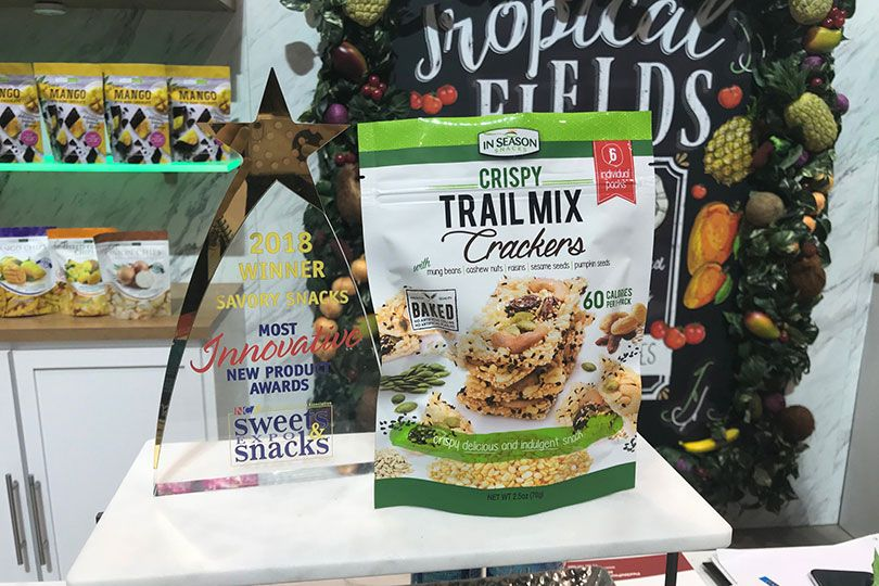 alli & rose's crispy trail mix crackers