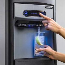 Follett 7 and 15 Series sparkling water and ice dispensers